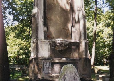 stary-cmentarz-podgorski-okolo-2000-nagrobek_AJC
